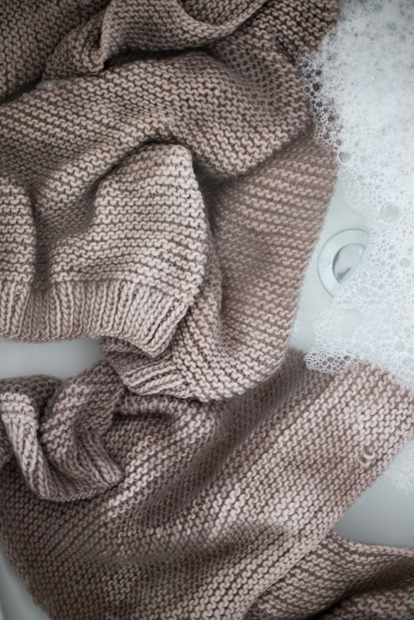 e2c85e5b6 Knitting Expat has a great tutorial on how she wet blocks her knits