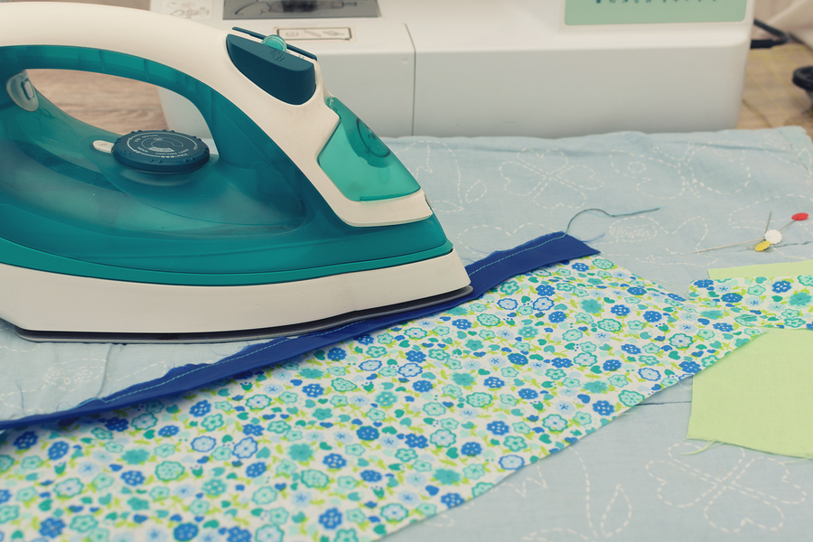 Patchwork on the sewing machine quilted stages